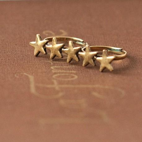 Podwójny pierścionek z gwiazdkami