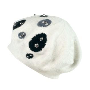 Dzianinowa beretka z aplikacją