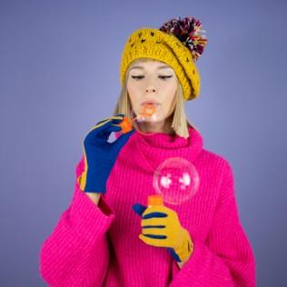 Czapka-beret i kolorowy pompon